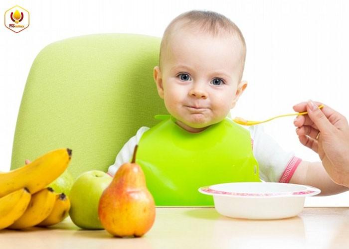 Bổ sung dinh dưỡng cho bé vào mùa hè